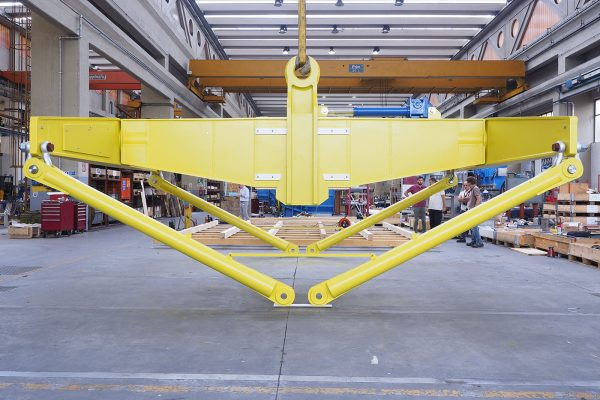MECHANICAL LIFTING EQUIPMENT SPECIAL HANDLING AND LIFTING EQUIPMENT De Pretto Industrie