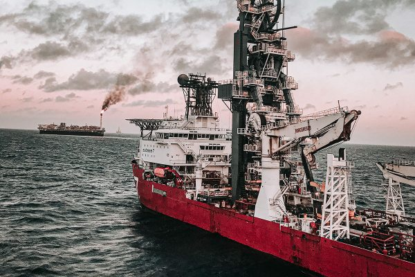 OFFSHORE HEAVY LIFTING Pipelay Operations De Pretto Industrie