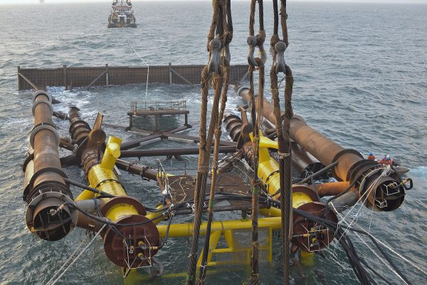 OFFSHORE HEAVY LIFTING Offshore Decommissioning And Dismantling Operations De Pretto Industrie