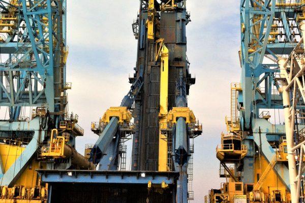 PIPELAY EQUIPMENT Stinger Handling Equipment De Pretto Industrie