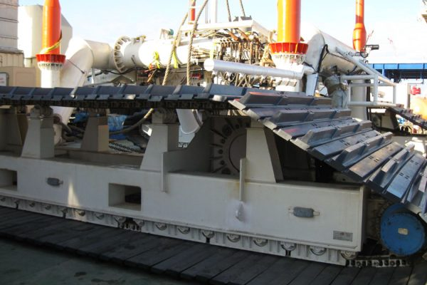 VESSEL EQUIPMENT MAINTENANCE OVERHAUL AND REPAIR SERVICES FOR YOUR OFFSHORE MISSION EQUIPMENT De Pretto Industrie